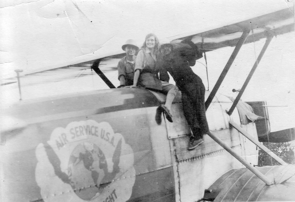 Wanderwell in Around the World Airplane