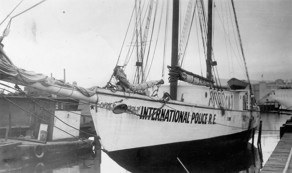 International Police - Wanderwell Yacht Carma